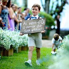 Confira como usar as placas de casamento em formato de painel de madeira e decore sua festa com muito bom gosto!