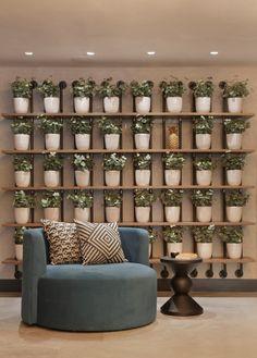 No Rio, hotel Yoo2 tem decoração tropical e mobiliário brasileiro