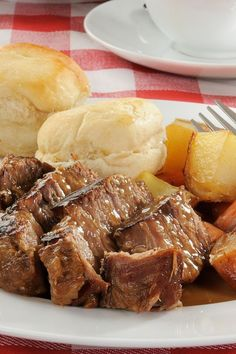 Awesome Slow Cooker Pot Roast (dry onion soup mix & 2 cans cream of mushroom soup) Crockpot Dishes, Crock Pot Slow Cooker, Crock Pot Cooking, Beef Dishes, Food Dishes, Slow Cooker Recipes, Crockpot Recipes, Cooking Recipes, Main Dishes