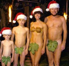The Most Shockingly Bizarre Family Holiday Cards Ever Sent! OMG!!!! its terrible really