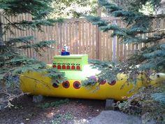 🌞Yellow submarine propane tank🌼 Propane Tank Art, Propane Tank Cover, Glass Fire Pit, Stucco Homes, Hidden Rooms, Farm Art, Diy Countertops, Tank Design, Stained Concrete
