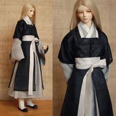 9월신작 [농묵] 철릭+생고사 방령답호 #구체관절인형한복 #인형한복 #bjd#dollhanbok#Korean costume Korean Traditional Dress, Traditional Dresses, Korean Men, Korean Outfits, Ball Jointed Dolls, Duster Coat, Kimono, Jackets, Clothes