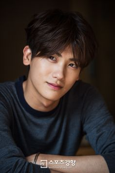 I love Park Hyungsik ❤️ Park Hyung Sik, Strong Girls, Strong Women, Asian Actors, Korean Actors, Drama Fever, Park Bo Young, Seo Joon, Guy Pictures