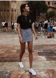 b9c5e866340 13 Looks Para Que Disfrutes De La Combinación Perfecta Entre Mini y  Zapatillas. Ropa TumblrRopa Juvenil ...