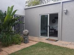 Fiducia - Fiducia is a cozy, neat self-catering accommodation flat in Kimberley. The bedroom has a double bed; with an electric blanket, heater and fan, as well as an en-suite bathroom. The bathroom is not wheelchair . Open Plan Living, Double Beds, Weekend Getaways, Fields, Diamond, Catering, Outdoor Decor, Electric, Cozy