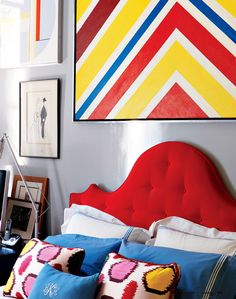 Learn how to make your bed so that it's neat and crisp.  Advice from designer Miles Redd. http://lonnymag.com/issues/43-lonny-october-2012/pages/1#p42