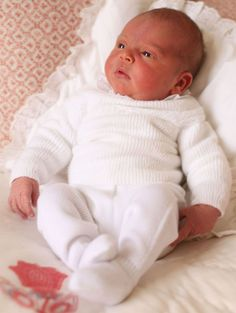 First photos of Prince Louis and Princess Charlotte - 9Honey