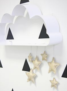 Stars, Clouds, and Mint accents for this baby's nursery | DunnDIY.com | #inspiration