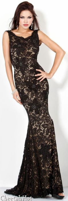 JOVANI - Lovely Lace Fitted Gown