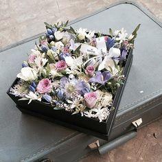 . Lesson Order Katalk ID vaness52 E-mail vanessflower@naver.com . #vanessflower #vaness #flower #florist #flowershop #handtied #flowergram #flowerlesson #flowerclass #바네스 #플라워 #바네스플라워 #플라워카페 #플로리스트 #꽃다발 #부케 #원데이클래스 #플로리스트학원 #화훼장식기능사 #플라워레슨 #플라워아카데미 #꽃수업 #꽃스타그램 #부케 #花 #花艺师 #花卉研究者 #花店 #花艺 . . #플라워박스 #flowerbox . . 사랑스러운 퍼플톤 💕