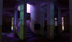 沼東小学校、螺旋階段。