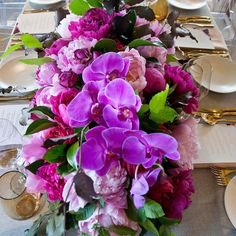 Levantine Hill Winery. Table flowers.  Styling/concept @styled_by_coco