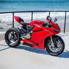 1299 @razkrog #Ducati #1299 #BikeKingz