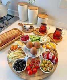 Breakfast Presentation, Food Presentation, Party Food Platters, Cooking Recipes, Healthy Recipes, Food Displays, Food Decoration, Food Goals, Aesthetic Food