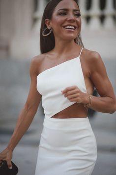 Modest Fashion, Fashion Dresses, Frock Fashion, Fashion Mask, 80s Fashion, Fashion Online, Vintage Fashion, Cute Dresses, Cute Outfits
