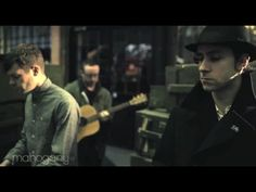"Maximo Park stellen den neuen Song ""The Reluctant Love"" in der Mahogany Session vor: http://whitetapes.com/everything-new/maximo-park-neuer-sobg-reluctant-love-in-mahogany-session"