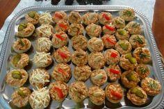 Jak upéct listové košíčky s různými slanými náplněmi | recepty New Recipes, Sprouts, Muffin, Vegetables, Breakfast, Ethnic Recipes, Food, Morning Coffee, Muffins