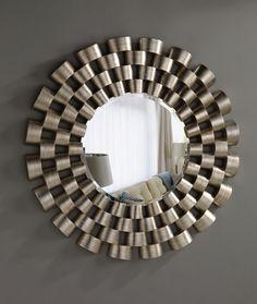 Espejos modernos acabado en pan de plata rayada. Espejo luna biselada. Soporte de poliuretano inyectado de alta densidad. Ancho x alto x hondo: 120 x 120 x 5 Plazo de entrega: 15 días IVA y gastos de envio: INCLUIDOS