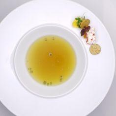 Essenz I Soja I Tomatenmarshmallow | Marius Tim Schlatter | Gasthof Lamm / Manufaktur Jörg Geiger. Archiving Food Photography | Gastronomy