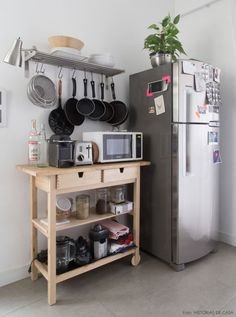 The Best Small Kitchen Design For Functionality And Beauty Apartment Kitchen, Kitchen Interior, Kitchen Decor, Ikea Hack Kitchen, Kitchen Cart, Studio Apartment, Retro Home Decor, Diy Home Decor, Room Decor