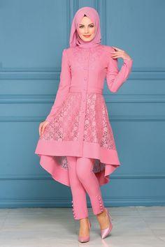 Pakistani Formal Dresses, Pakistani Fashion Party Wear, Indian Fashion Dresses, Pakistani Dress Design, Indian Designer Outfits, Girls Fashion Clothes, Modern Hijab Fashion, Islamic Fashion, Muslim Fashion