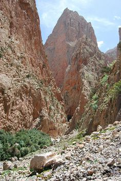 Trekking in the Atlas Mountains (Photo: Peaks Foundation)