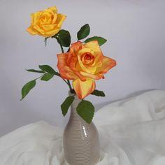 "70 aprecieri, 5 comentarii - Marianne (@marianneweddingdesign) pe Instagram: ""My roses...!! #crepepaperflower #creppaper #creative #cartotecnicarossi #roses #flori #flowers…"" My Flower, Flowers, Vase, Instagram, Home Decor, Decoration Home, Room Decor, Vases, Royal Icing Flowers"