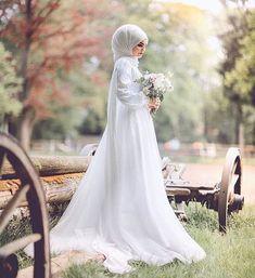 Hijabi Wedding, Wedding Hijab Styles, Muslimah Wedding Dress, Hair Wedding, Hijab Wedding Dresses, Muslim Wedding Dresses, Bridal Outfits, Bridesmaid Dresses, Muslim Brides