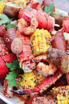 Ultimate Seafood Boil I Heart Recipes Seafood Boil Recipes, Seafood Dishes, Fish And Seafood, Fish Recipes, Cajun Seafood Boil, Seafood Boil Party, Lobster Boil, Seafood Boil Seasoning Recipe, Shrimp And Crab Boil