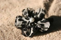 love this flower pin $6
