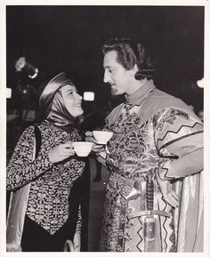 Olivia de Havilland and Basil Rathbone | DO YOU UNDERSTAND HOW COOL THIS IS OMG