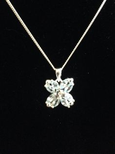 Gorgeous+.925+Silver+Genuine+Topaz+with+a+Diamond+Chip+Flower+Necklace.+This+is+a+16+inch+necklace.+Simply+Beautiful+!!+Retails+for+$99    Florida+residents+pay+7%+sales+tax