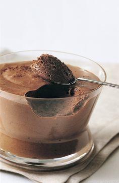 Mousse au chocolat de Paul Bocuse - Une recette de mousse au chocolat très gourmande et signée... Paul Bocuse !