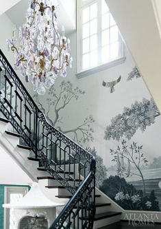 The old French technique of wall mural paint, where the final effect is a monochromatic tone in different shades of grey, dark and light, is as old as it gets. Reinvented or discovered during the Renaissance as a form of a more affordable painting technique, perhaps also due to limited color options that were available …