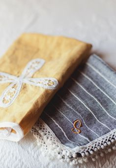 Dad a monogrammed hanky for ceremony gift