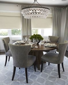 72 unique dining room design ideas with french style 32 Dining Room Wall Decor, Dining Room Design, Dining Room Chairs, Dining Room Furniture, Room Decor, Dining Rooms, Luxury Dining Room, Luxury Living, Dining Room Inspiration
