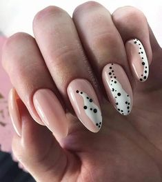 Adding some glitter nail art designs to your repertoire can glam up your style within a few hours. Check our fav Glitter Nail Art Designs and get inspired! Leopard Nail Designs, Leopard Nails, Nail Art Designs, Nails Design, Nail Art Ideas, Manicure Ideas, Salon Design, Nail Art Abstrait, Design Ongles Courts