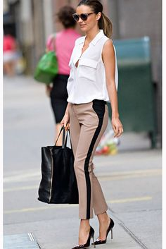 26 Genius Outfit Ideas to Steal From Street-Style Star Miranda Kerr : Miranda Kerr Outfit Idea: Finish a Menswear-Inspired Look With Heels Work Fashion, Star Fashion, Fashion Photo, Street Fashion, Womens Fashion, Fashion Trends, Fashion Inspiration, Workwear Fashion, Modern Fashion Style
