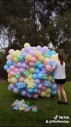 Balloon Arch Diy, Balloon Backdrop, Balloon Wall, Balloon Garland, Ballon Arch, Balloon Columns, Birthday Balloon Decorations, Diy Party Decorations, Birthday Balloons