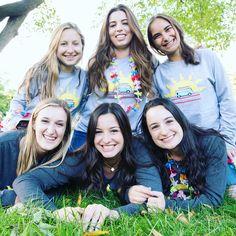 A girl is happiest with her sisters ☺️ • #chiomega #chio #ΧΩ #χω #sisters #sororitysisters #sisterlife #gogreek #rush #bidday #sorority #shareyourchapter #freshprints