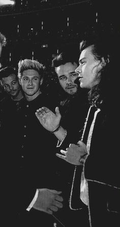Find you a man who looks at you like 1D looks at Harry