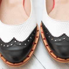 💘 Exclusive Design Flats. White and Black Leather with Hearts Detail. 🍓Delicious Shoes! 💗