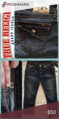 🎀Auth True Religion skinny capris Super cute capris! Only worn for one season (last year). Definitely worn in but plenty of life left. Size 28 True Religion Jeans Skinny