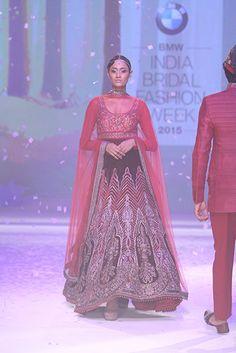 JJ Valaya. IBFW 15'. Indian Couture.