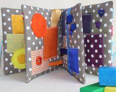 Libro despertar sensorial Montessori Waldorf bebé por PopelineCo