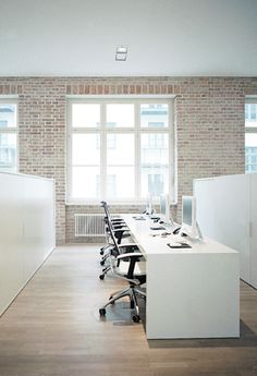Simple & Clean Office Interior Design