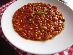 RECEPT: Lehké chilli con carne s mletým masem a čokoládou Food 52, Chana Masala, Chili, Quinoa, Beans, Food And Drink, Soup, Vegetables, Ethnic Recipes