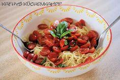 Spaghetti-Tomaten-Salat - http://kathys-kuechenkampf.de/spaghetti-tomaten-salat/