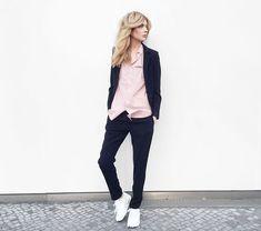 Ebba Zingmark - Zadig&Voltaire Suit Jacket, Zadig & Voltaire Suit Pants, Zadig & Voltaire Skirt, Nike Sneakers - DUSTY PINK