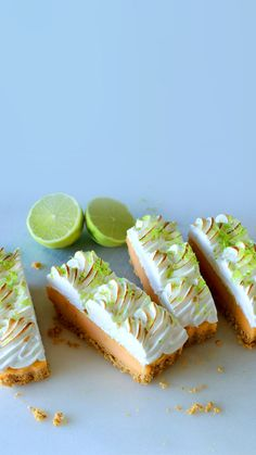 Recipe with video instructions: It's always happy hour with this sweet and creamy tequila-infused margarita custard pie topped with fluffy toasted meringue. Mini Desserts, Just Desserts, Dessert Recipes, Plated Desserts, Frozen Margaritas, Margarita Pie, Margarita Recipes, Pie Tops, Sweet Pie